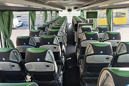 Mercedes Tourismo 2018 3 Assi interno