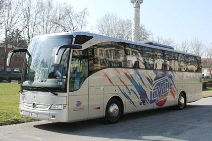 Mercedes Tourismo 51 esterno