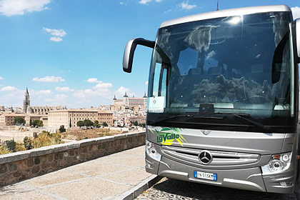 Mercedes Tourismo 2018 3 Assi esterno